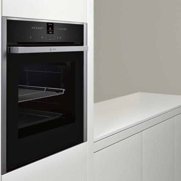 Neff B27CR22N1B Pyrolytic Single Oven