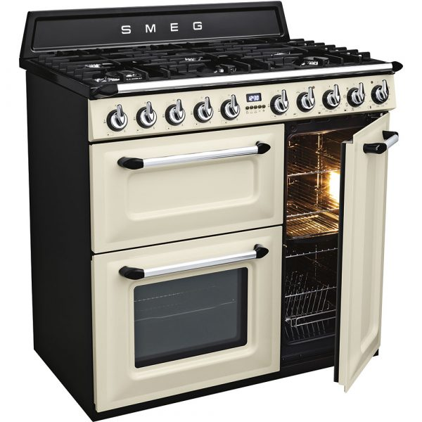 Smeg TR93P open oven door